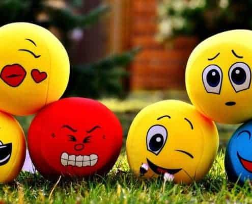 Emoticons, Emojis, Smilies in Postings