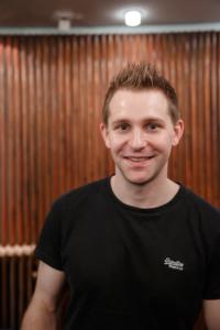 Porträt des Datenschutzaktivisten Max Schrems